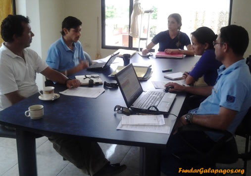 Fundar Galápagos premia a las iniciativas emprendimientos relacionados a materiales reciclados